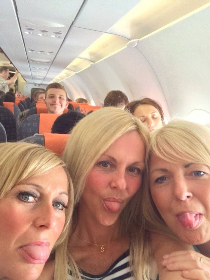 3 women take a selfie on a plane, but what they find out 2 years later is truly shocking 3