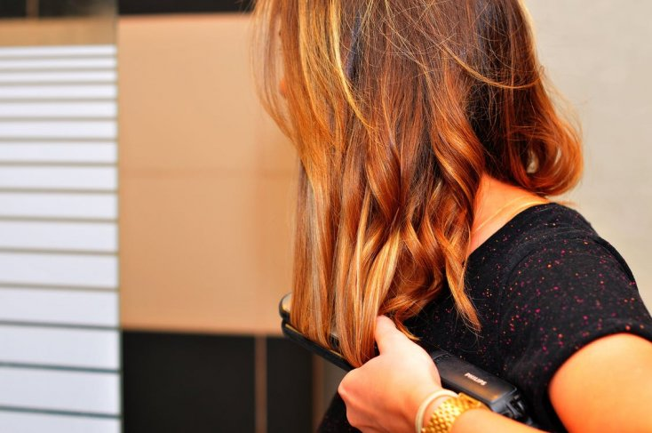 1. Hairstyle after using a straightener 1