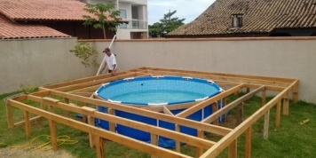 This man could not have his own pool at home so he ended up building his own pool