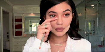 Kylie Jenner's makeup routine hacks!