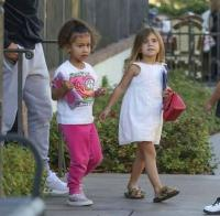Kim Kardashian doesn't eat at the same table as her daughter 8