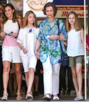 What did King Philip VI say while Letizia and Sofia argued? 10