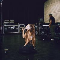 Ariana Grande finally explains why she never takes off her ponytail 5