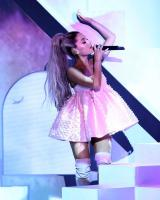 Ariana Grande finally explains why she never takes off her ponytail 13