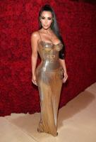 Most ridiculous Kim Kardashian looks 4