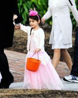 The eccentricities of Suri the daughter of Katie Holmes and Tom Cruise 14