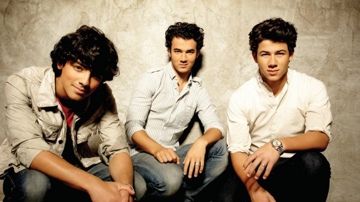 Jonas Brothers Back to PAY for Nick's weddings!? 2