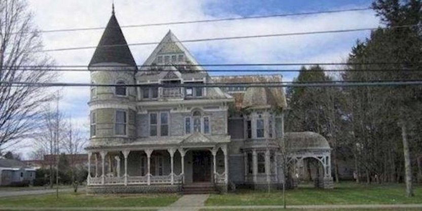 This mansion was sold ridiculously cheap and there is a reason behind it...