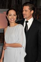 The end of an era! Angelina Jolie & Brad Pitt are getting divorced! 3
